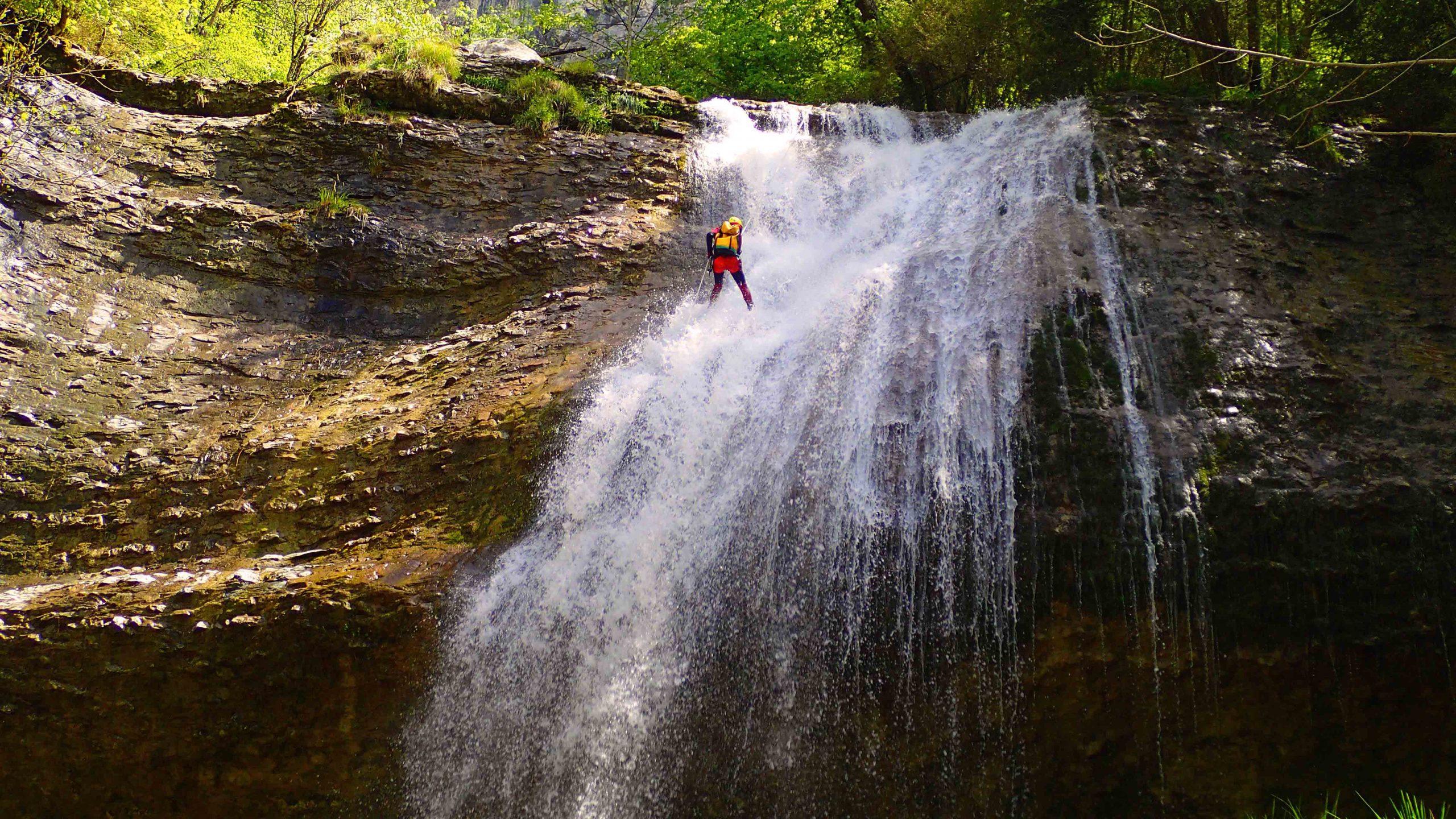Canyoning-Evasion Canyon Ecouges partie basse Journée Massif du vercors